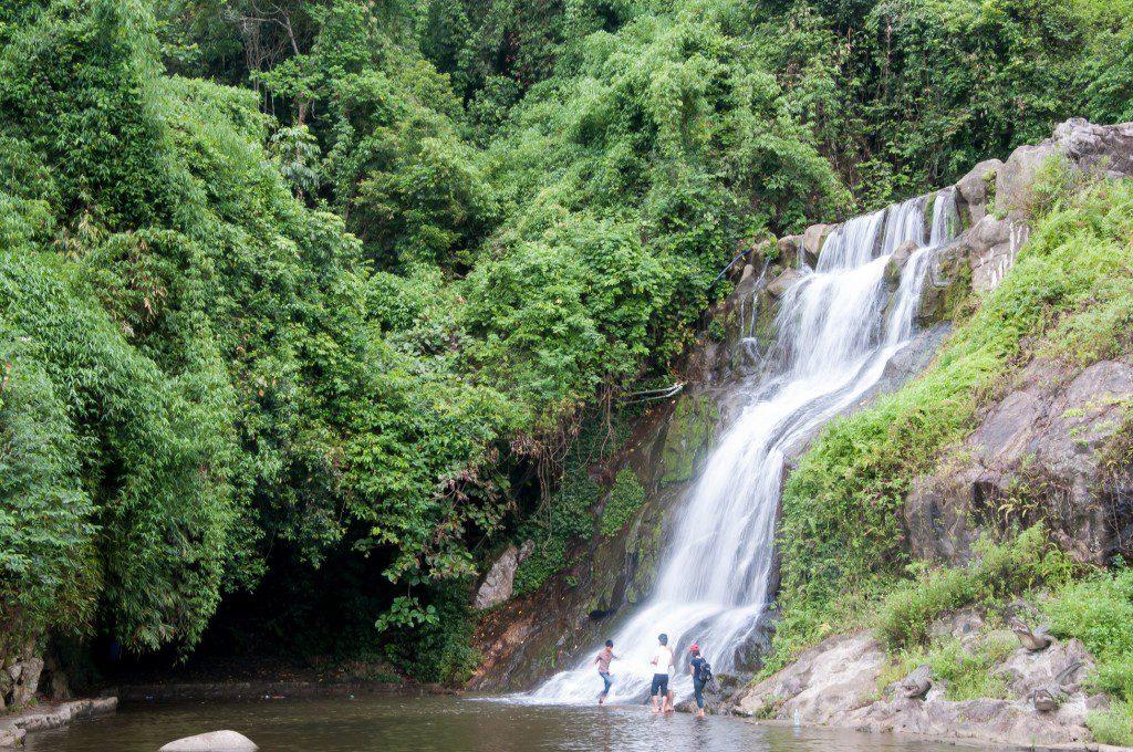 Ao Vua Xanh, Đầm Long: Địa điểm du lịch sinh thái lý tưởng tại Ba Vì