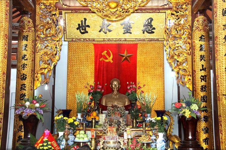 Kết quả hình ảnh cho bên trong đền thờ bác hồ- Tour lễ hội đầu năm Hà Nội