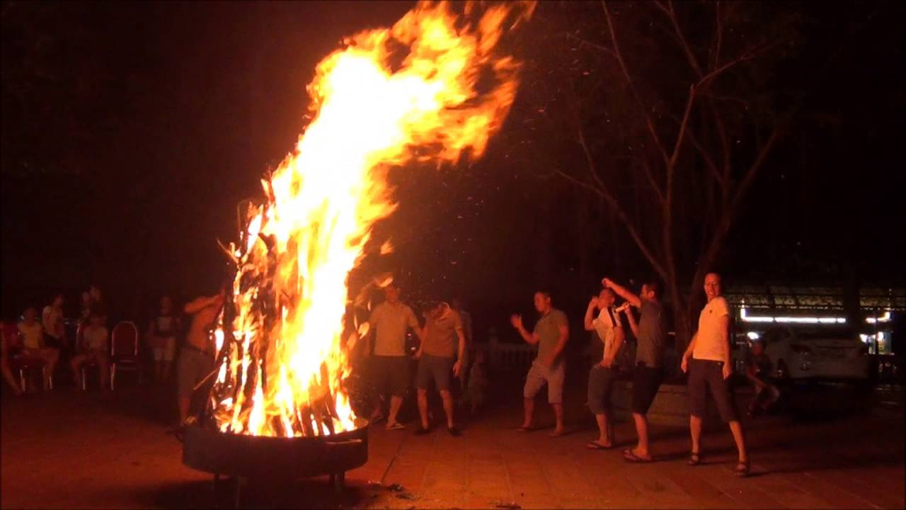 Đốt lửa trại ở Ao Vua - Những địa điểm được đốt lửa trại ở Ba Vì