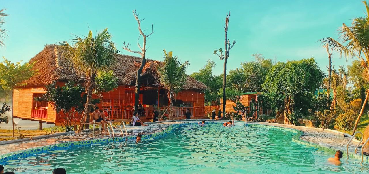 Bể bơi tại khu rafe garden - homestay ba vì